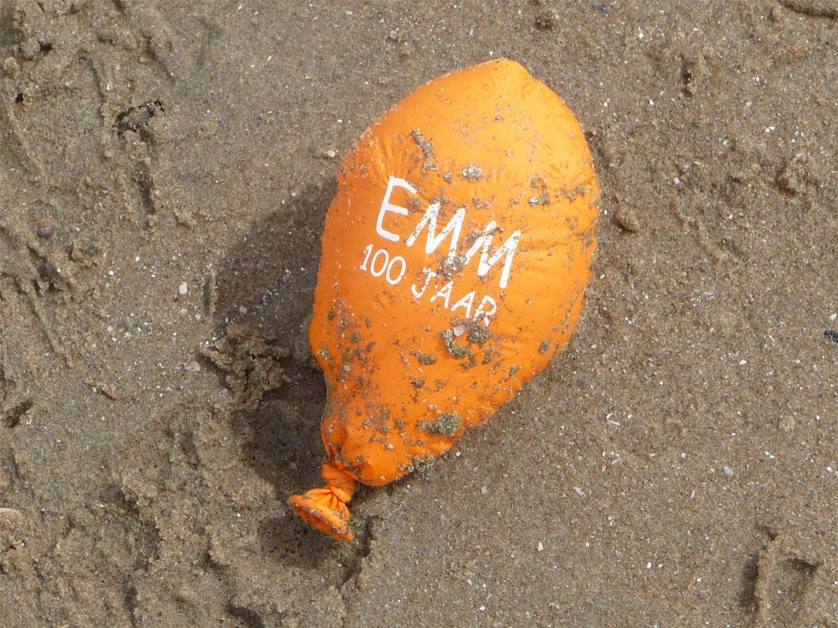 EMM 100 jaar op het strand van Scheveningen, foto Erik Devilee
